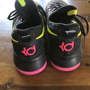 kD basketball women shoes